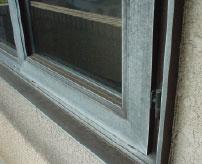 アルミサッシPVC樹脂の窓